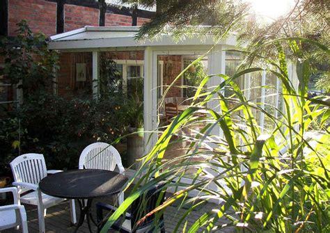 glasveranda wintergarten windschutz verglasung f 252 r terrassen