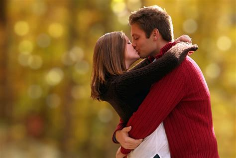 download wallpaper couple kiss wallpaper collection romantic love couple kissing love