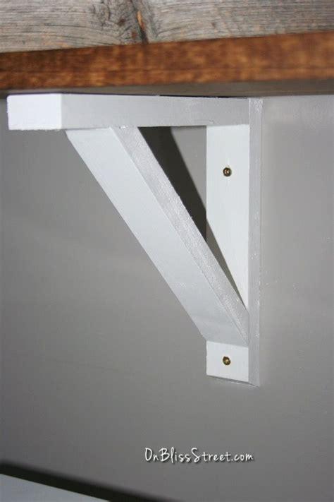 build  simple shelf bracket woodworking projects