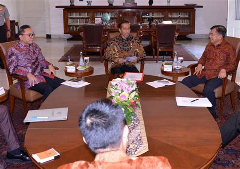 Meja Billiard Daerah Bogor jokowi gelar pertemuan meja bundar di istana bogor