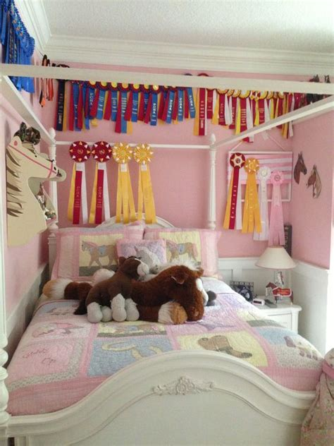 horsey bedrooms horse themed bedroom for the feminine 7 10 year old crowd