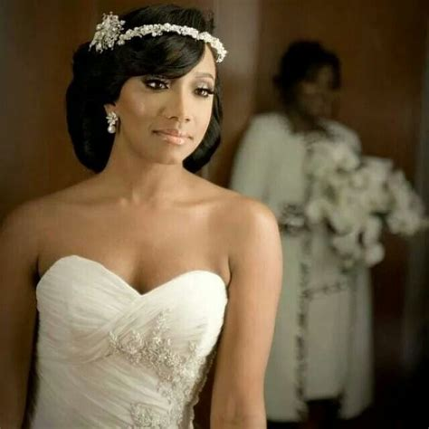 Wedding Hairstyles For Sweetheart Neckline by Best 25 American Brides Ideas On
