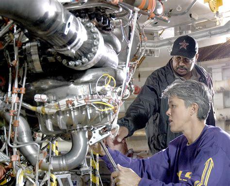 nasa nasa tests  space shuttle main engine  hurricane katrina