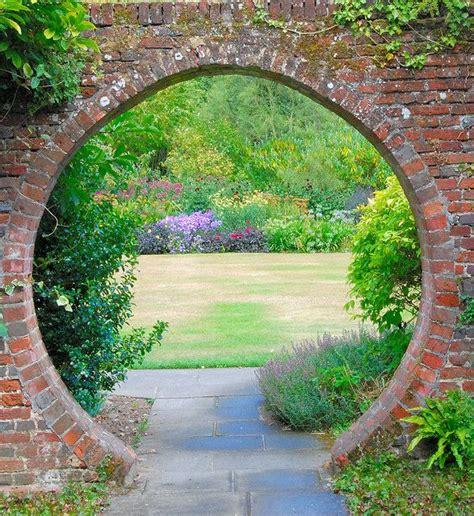Garden Arch Circle Great Comp Garden 17th Century Manor Garden Roderick