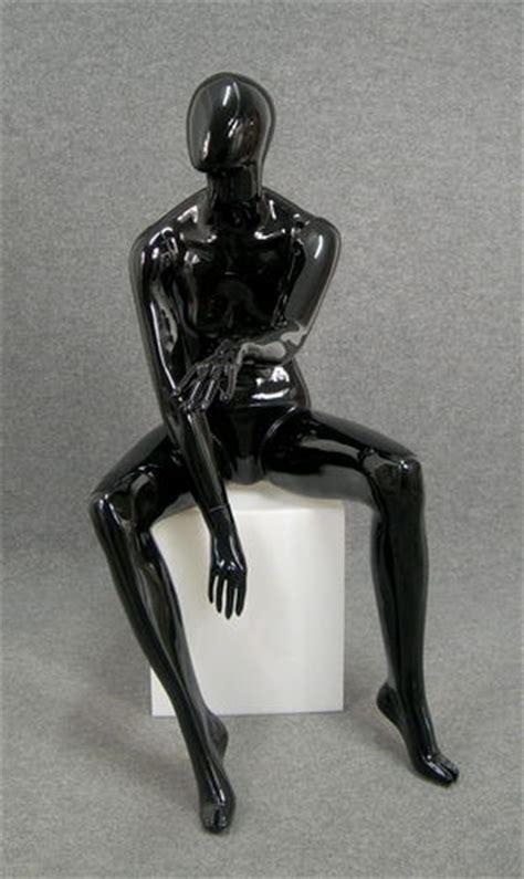 manichino seduto 5022 manichino donna seduto nero lucido testa uovo