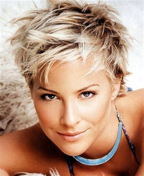 coloring pixie haircut best 25 messy pixie haircut ideas on pinterest choppy