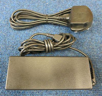 Adaptor Fujitsu Original 19 V 4 22 A fujitsu original laptop ac power adapter charger 19v 4 22a