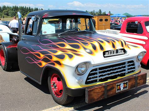 Flames & Stripes   Custom Vehicle Graphics