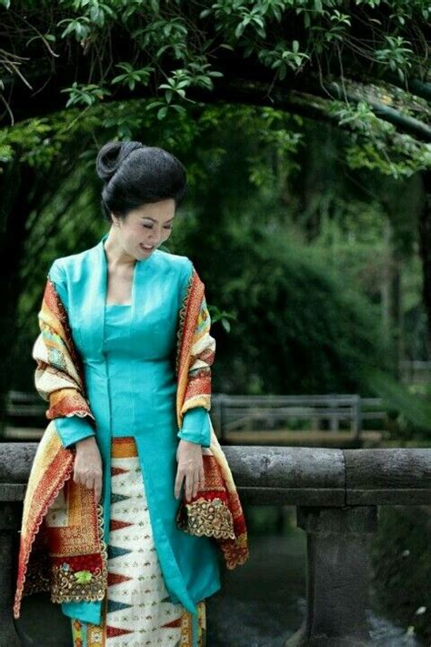 Set Kebaya Bali Ayu 1000 images about attire indonesia on