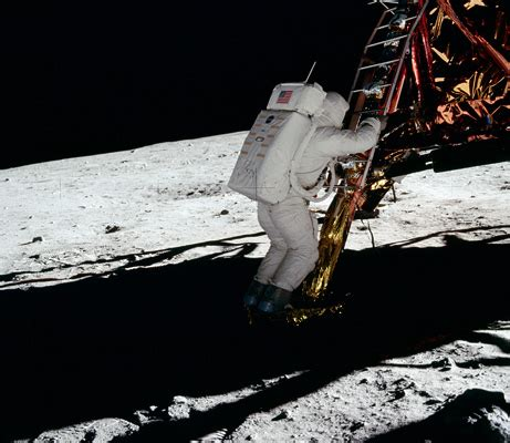 apollo 11 hoax photos: 8 moon landing myths    busted