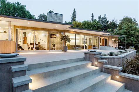 case study houses 3836510219 kristen wiig picks up pasadena s case study house no 10 for 3m curbed la