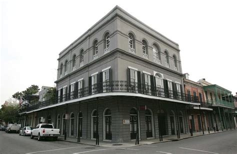 Brad Angelinas New Orleans Home by Brad Pitt And Sell New Orleans Home In