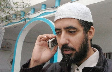 controversial muslim cleric caught being smuggled into u.s