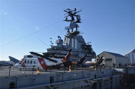 portaerei new york flight deck obr 225 zok intrepid sea air space museum