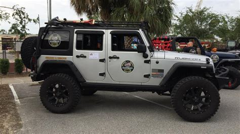 jeep wrangler rescue florida sheriff organizes jeep wrangler volunteer squad