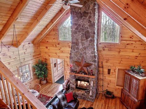 luxury log cabin in hocking vrbo