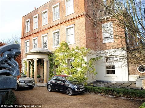 victoria beckham house interior victoria beckham spotted house hunting in london daily mail online