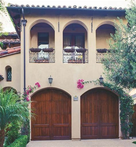 The Wooden Eto Garage Doors Pull The Whole Look Of This Eto Garage Doors