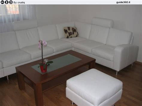 come pulire la pelle dei divani la pulizia dei divani in pelle