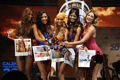 Chicas De Calendario Polar Pilsen Celebra Sus 75 A 241 Os Con Un Calendario De
