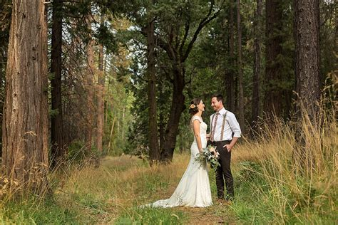 Yosemite Wedding by Playful Yosemite Wedding At Evergreen Lodge Lia And