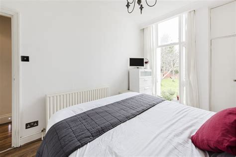 2 bedroom flat acton portico 2 bedroom flat for sale in acton perryn road