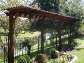 Thin Trellis Garden Pergola Will Look Great In Your Garden The