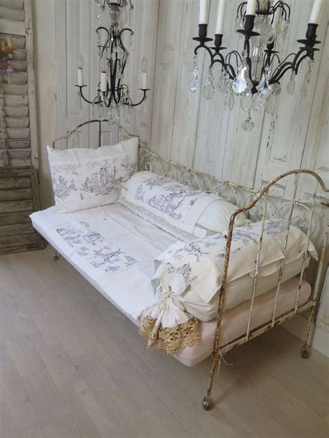 futon einzelbett 71 best images about day bed on trundle daybed