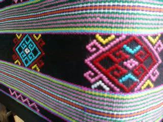 Gantungan Kunci Mobil Motif Tenun Ikat Khas Ntt kain tenun timor motif buna dan sotis tenun timor
