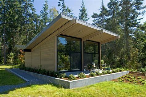 House Reflecting The Surrounding Environment In Washington Freshome Com | house reflecting the surrounding environment in washington