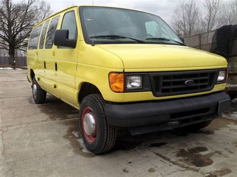 purchase used 2004 ford e350 xl in vestal new york united states