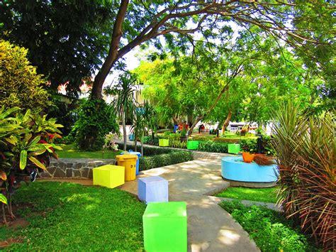 Wifi Jalan wisata taman kota surabaya taman ekspresi the world as