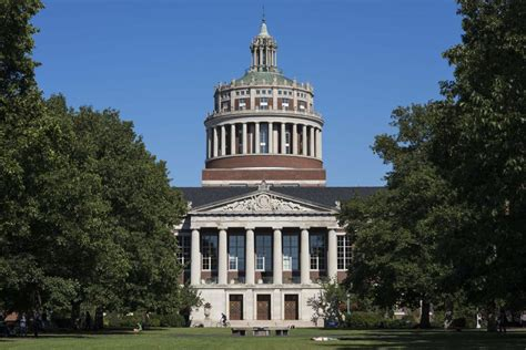U Rochester 3 2 Mba School by Local Students Earn Scholarships At Of