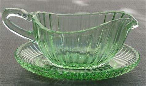 gravy boat glass vintage green depression glass gravy boat saucer