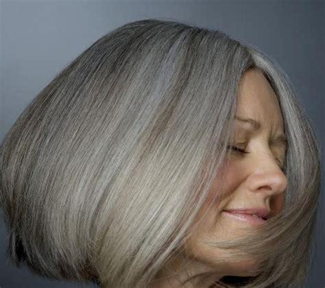 color gray hairstyles cheveux gris cheveux blancs on les garde ou pas