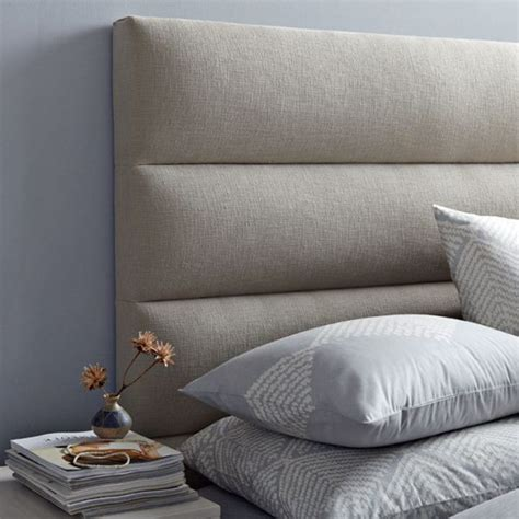 beds with padded headboards t 234 te de lit moderne 25 belles id 233 es pour chambre 224 coucher