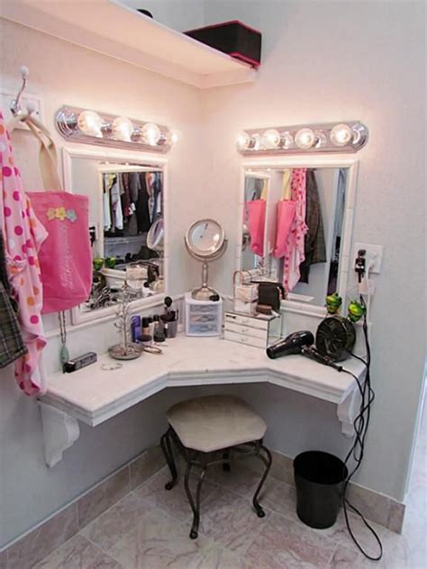 makeup area in bedroom 243 best images about diy vanity area on pinterest
