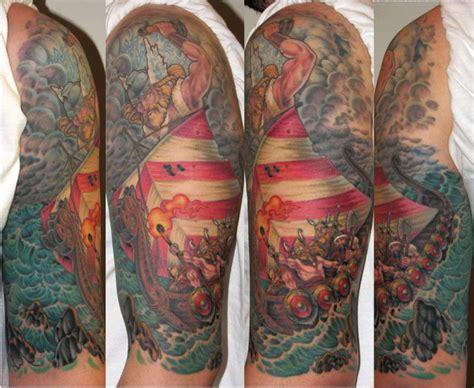 рука викинг татуировка от optic nerve arts