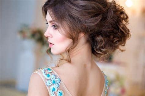 Sisir Catok Sederhana model rambut wanita dan 10 cara merawat rambut yang unik vemale
