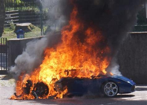 Lamborghini Burning Lamborghini Gallardo Catches In Scotland
