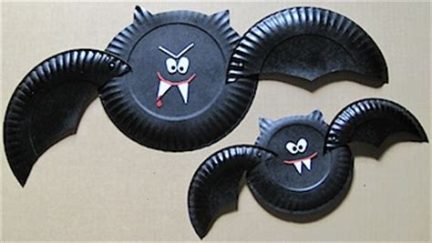 Bat Paper Plate Craft - paper plate bats family crafts