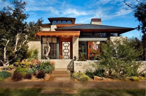 modern prairie style architecture with crumbling