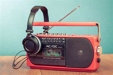 Samson S 3 S 3 S3 Way Stereo Mono Crossover Original royalties killed the radio a new bill aims to charge radio stations royalties