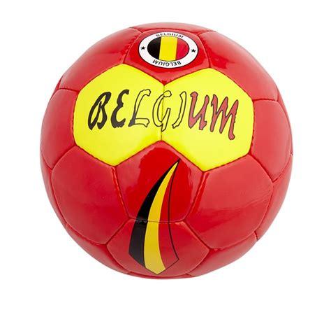 voetbal belgi 235 rood maat 5 dreamland