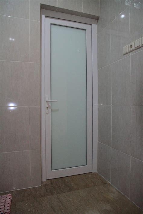 Pemotong Kaca Yang Bagus pintu upvc solusi awet hemat pintu kamar mandi