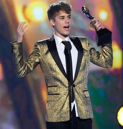 justin bieber kiss n tell song download winners photos videos billboard music awards 2011 page