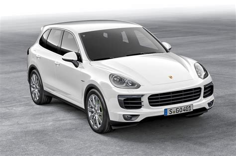 porsche suv 2015 white 2015 porsche cayenne reviews and rating motor trend