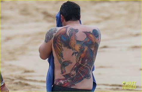 Back Tattoo Ben Affleck | ben affleck s massive back tattoo is actually real puts
