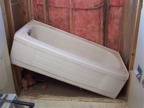 how to install fiberglass bathtub how to install a bathtub