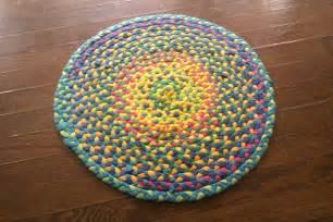 make a braided t shirt rug